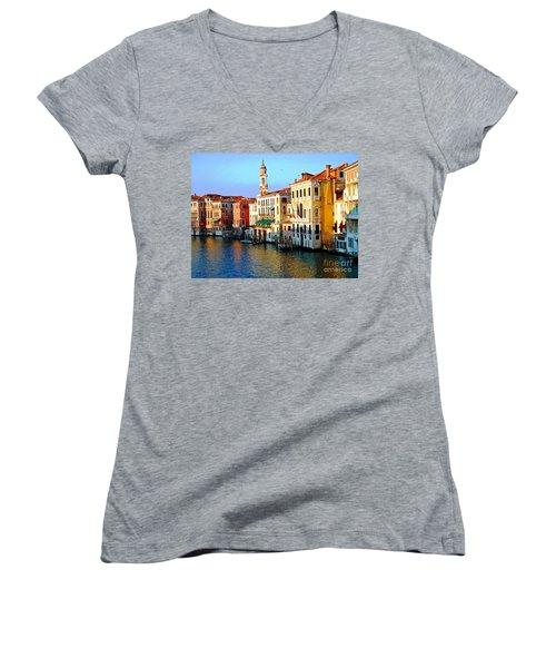 Venezia Grand Canal Women's V-Neck T-Shirt
