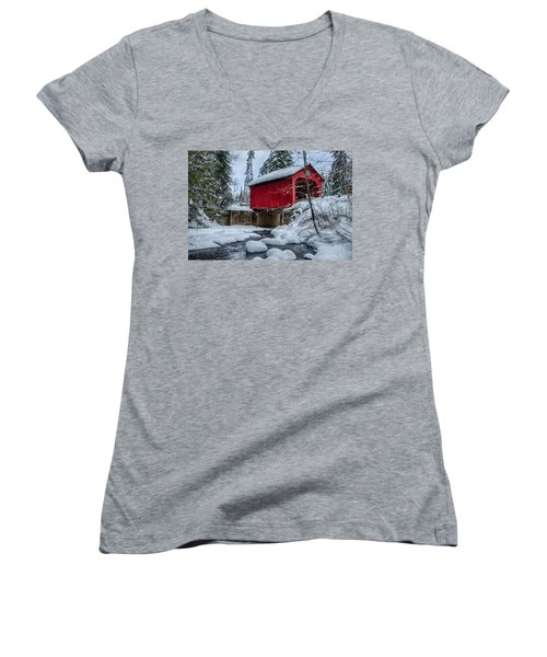 Vermonts Moseley Covered Bridge Women's V-Neck