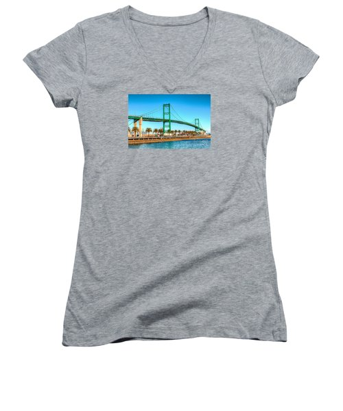Vincent Thomas Bridge Women's V-Neck T-Shirt