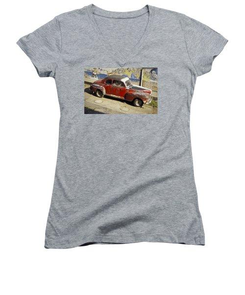 Vintage Car Women's V-Neck T-Shirt