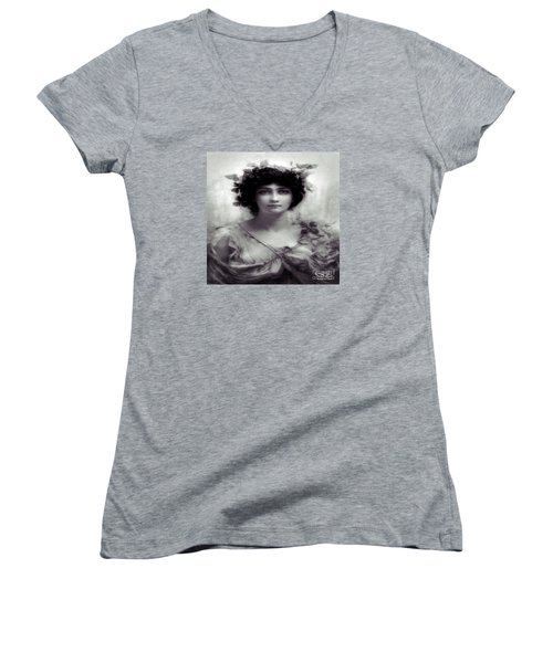 Vintage Lady Women's V-Neck T-Shirt