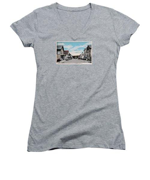 Vintage Postcard Of Wolfeboro New Hampshire Art Prints Women's V-Neck T-Shirt (Junior Cut) by Valerie Garner