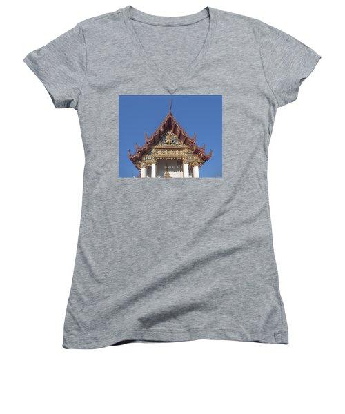 Wat Amarintaram Ubosot Gable Dthb1509 Women's V-Neck
