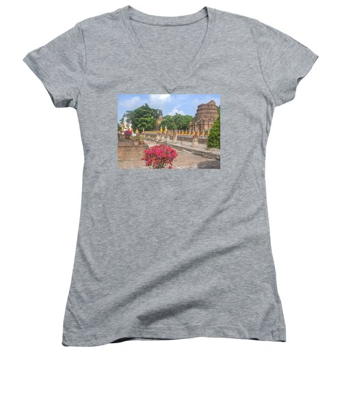 Wat Phra Chao Phya-thai Buddha Images And Ruined Chedi Dtha004 Women's V-Neck