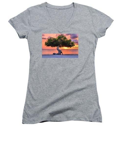 Watapana Tree - Aruba Women's V-Neck