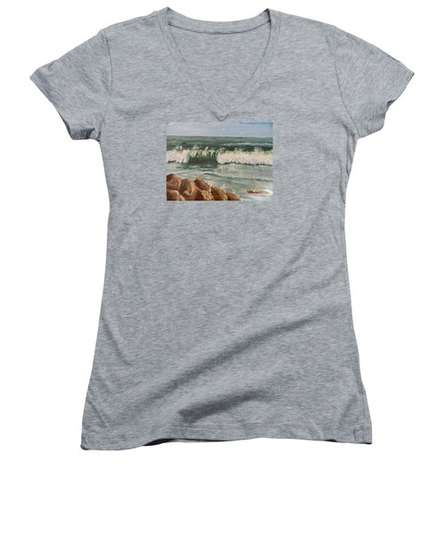 Waves Crashing Women's V-Neck T-Shirt