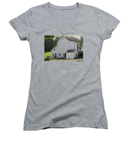 Westport Barn Women's V-Neck T-Shirt