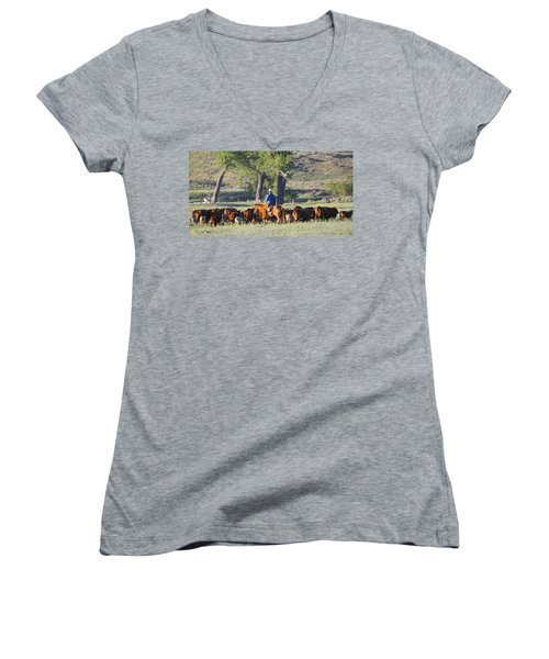 Wyoming Country Women's V-Neck T-Shirt (Junior Cut)