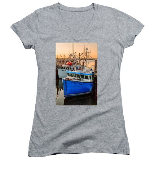 Yarmouth Harbour Women's V-Neck