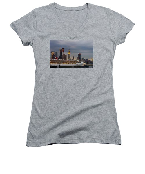 Cruisin By The City Women's V-Neck T-Shirt