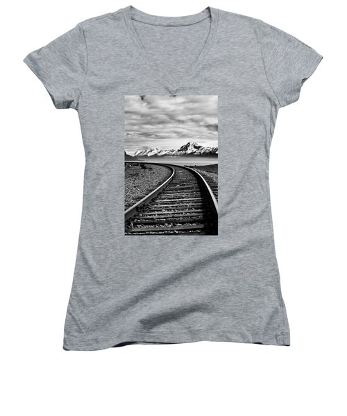 Alaska Railroad Women's V-Neck