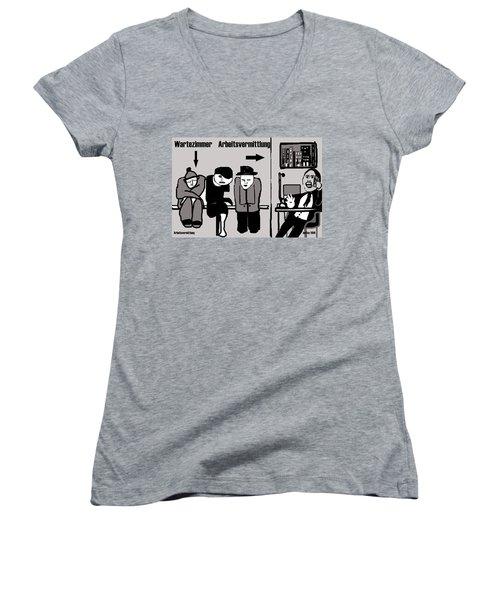 Arbeitsvermittlung Women's V-Neck T-Shirt