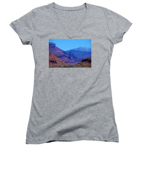 Canyon Colors Women's V-Neck (Athletic Fit)
