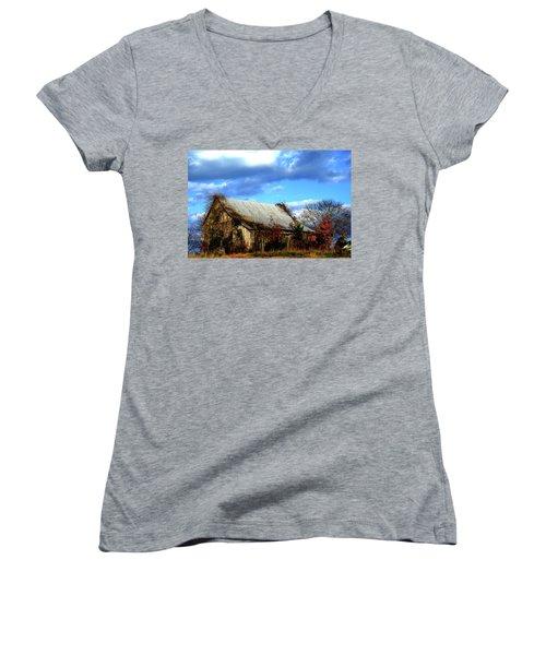 Country Barn Women's V-Neck T-Shirt