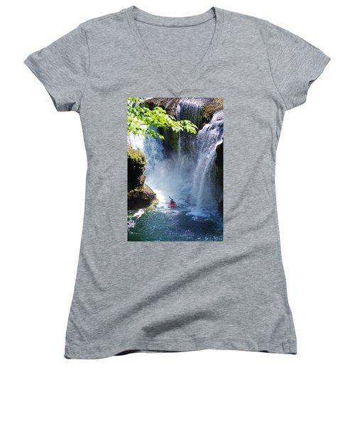 Going In   Women's V-Neck T-Shirt