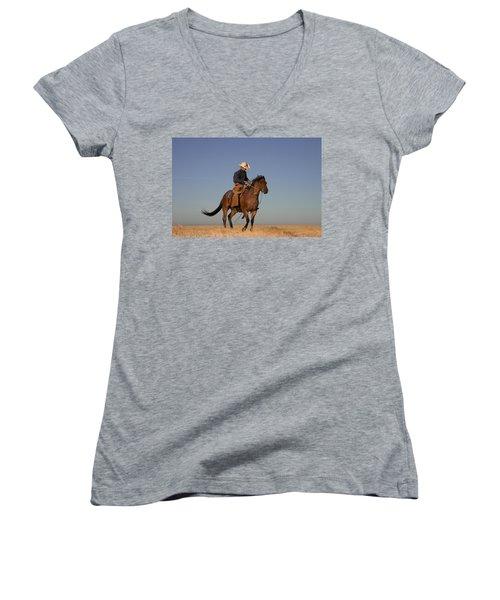 Ol Chilly Pepper Women's V-Neck T-Shirt (Junior Cut) by Diane Bohna