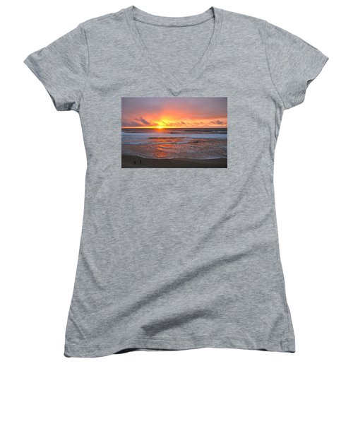 Pacific Sunset Women's V-Neck T-Shirt (Junior Cut) by Eric Tressler