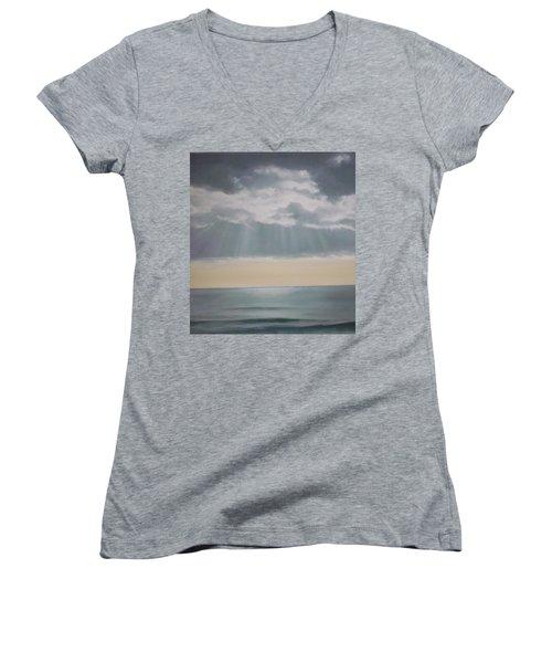 Rays Women's V-Neck T-Shirt