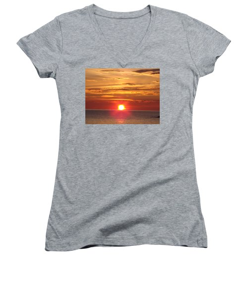 Women's V-Neck T-Shirt (Junior Cut) featuring the photograph Superior Setting by Bonfire Photography
