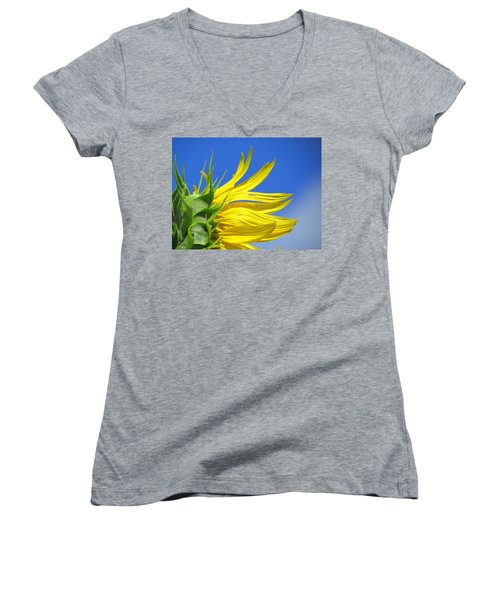 Waving Goodbye To Summer Women's V-Neck T-Shirt