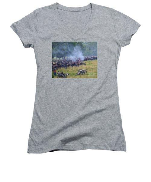 Gettysburg Union Artillery And Infantry 8456c Women's V-Neck