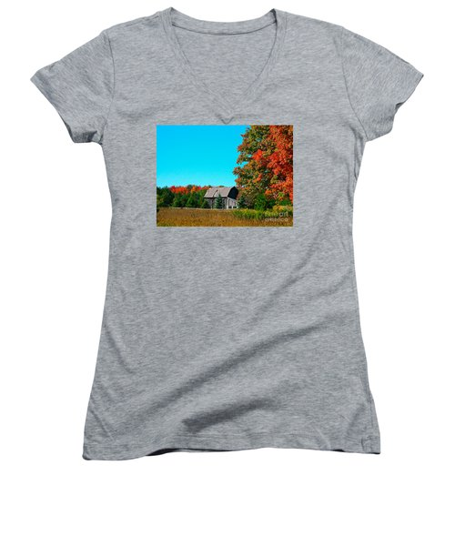 Old Barn In Fall Color Women's V-Neck T-Shirt (Junior Cut) by Robert Pearson