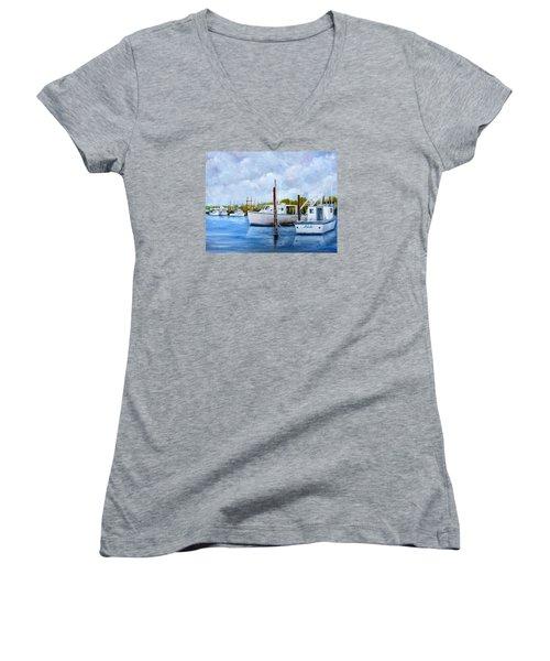 Belford Nj Fishing Port Women's V-Neck T-Shirt