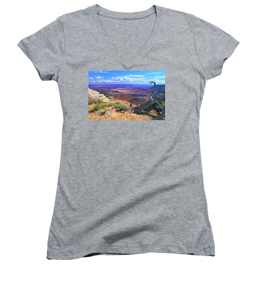 Canyonlands Women's V-Neck (Athletic Fit)