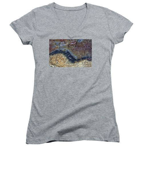 Earth Portrait 000-205 Women's V-Neck