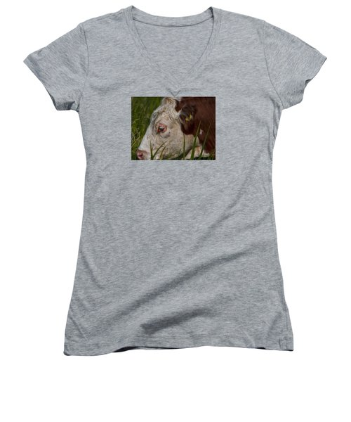 Women's V-Neck T-Shirt (Junior Cut) featuring the photograph Face by Leif Sohlman