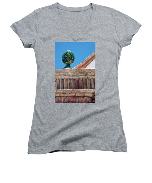 Finial Women's V-Neck