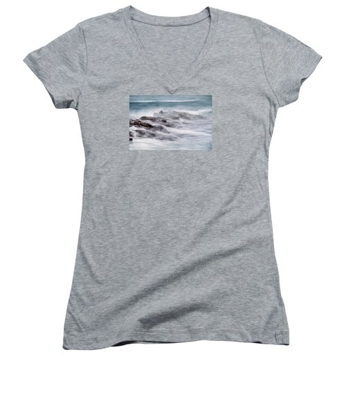 Giants Causeway  Women's V-Neck (Athletic Fit)