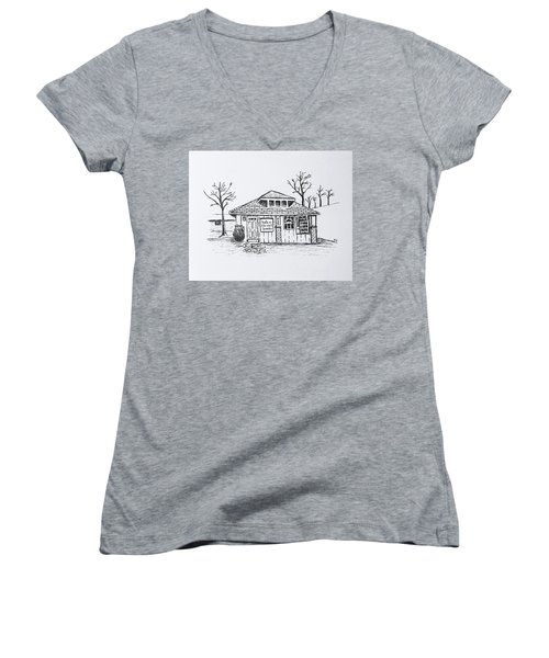 Hole In The Wall Books Women's V-Neck T-Shirt