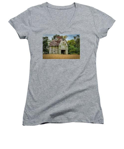 Iowa Barn Women's V-Neck T-Shirt (Junior Cut) by Ray Congrove
