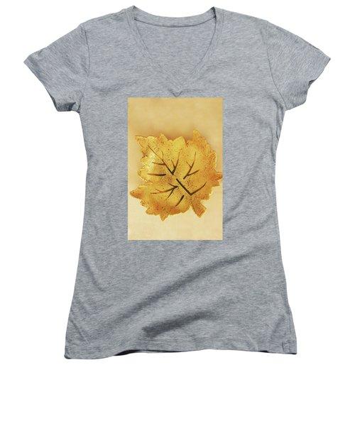 Leaf Plate2 Women's V-Neck T-Shirt (Junior Cut) by Itzhak Richter