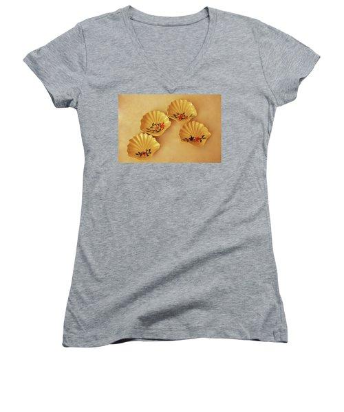 Little Shell Plate Women's V-Neck T-Shirt (Junior Cut) by Itzhak Richter