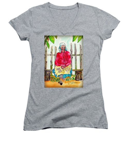 Old Migrant Worker, Resting, Arcadia, Florida 1975 Women's V-Neck (Athletic Fit)