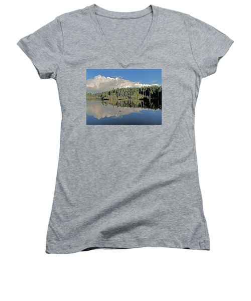 Women's V-Neck T-Shirt (Junior Cut) featuring the photograph Pause And Reflect by Suzy Piatt