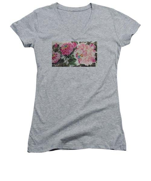 Peoney20161230_624 Women's V-Neck T-Shirt