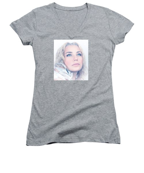 Portrait Of Gorgeous Female Women's V-Neck T-Shirt