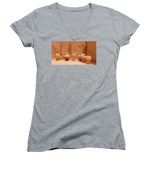 Pots Women's V-Neck T-Shirt