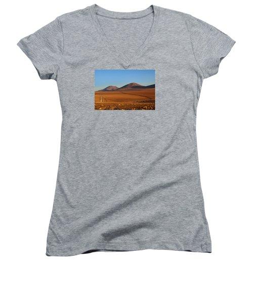 Siloli Desert Women's V-Neck T-Shirt