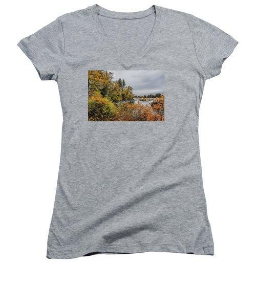 Snake River Greenbelt Walk In Autumn Women's V-Neck T-Shirt (Junior Cut) by Yeates Photography