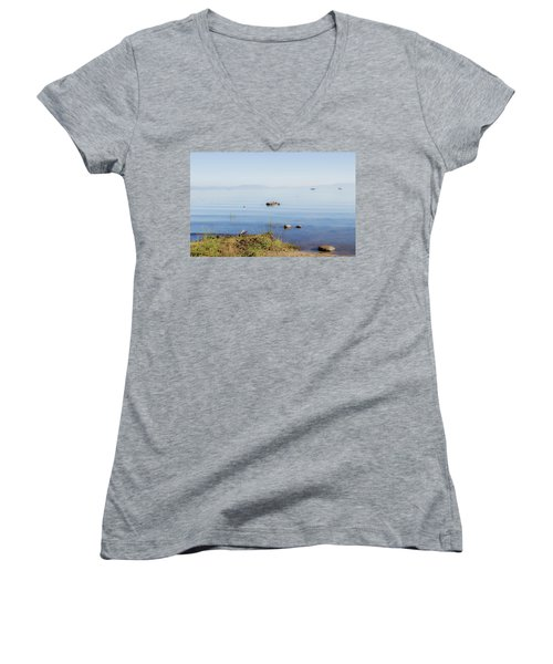Tahoe Ripple Women's V-Neck (Athletic Fit)