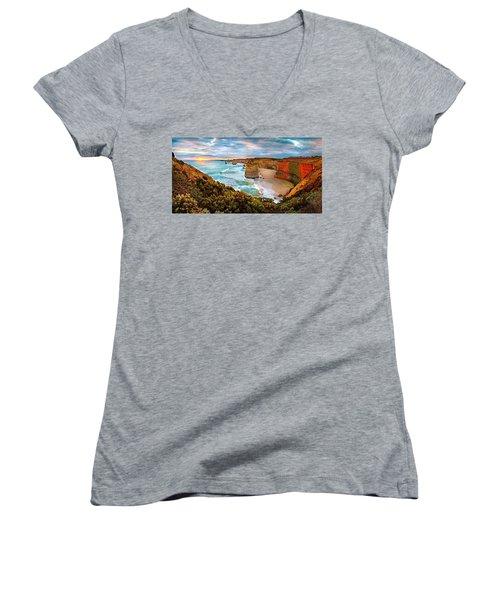 12 Apostle Sunset Women's V-Neck T-Shirt