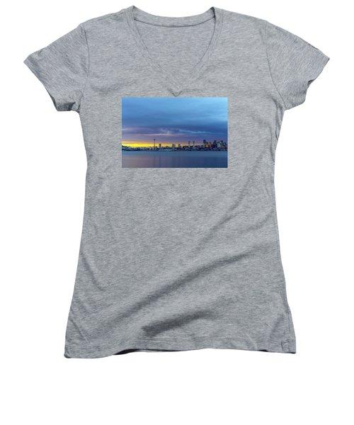 Seattle Women's V-Neck T-Shirt