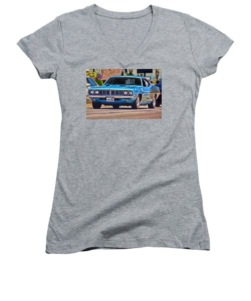 1971 Plymouth 'cuda 383 Women's V-Neck (Athletic Fit)