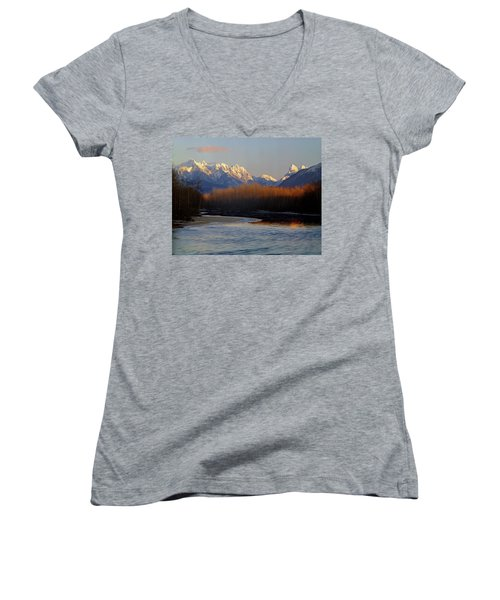 1m4525 Skykomish River And West Central Cascade Mountains Women's V-Neck