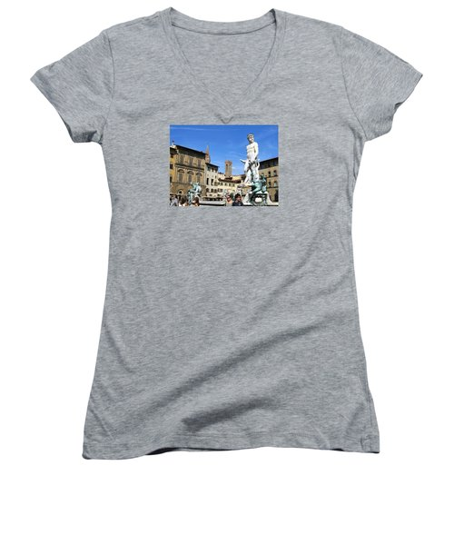 Neptune Fountain Florence Women's V-Neck T-Shirt