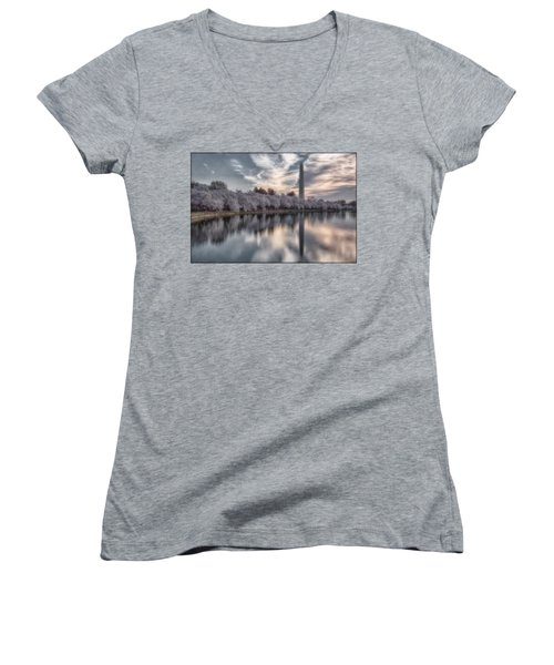 Washington Sunrise Women's V-Neck T-Shirt (Junior Cut)